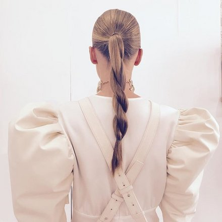 01-holding-jw-anderson-hair