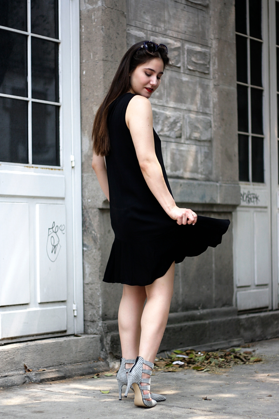 LITTLE-BLACK-DRESS-SPRING-ATUENDO29-4