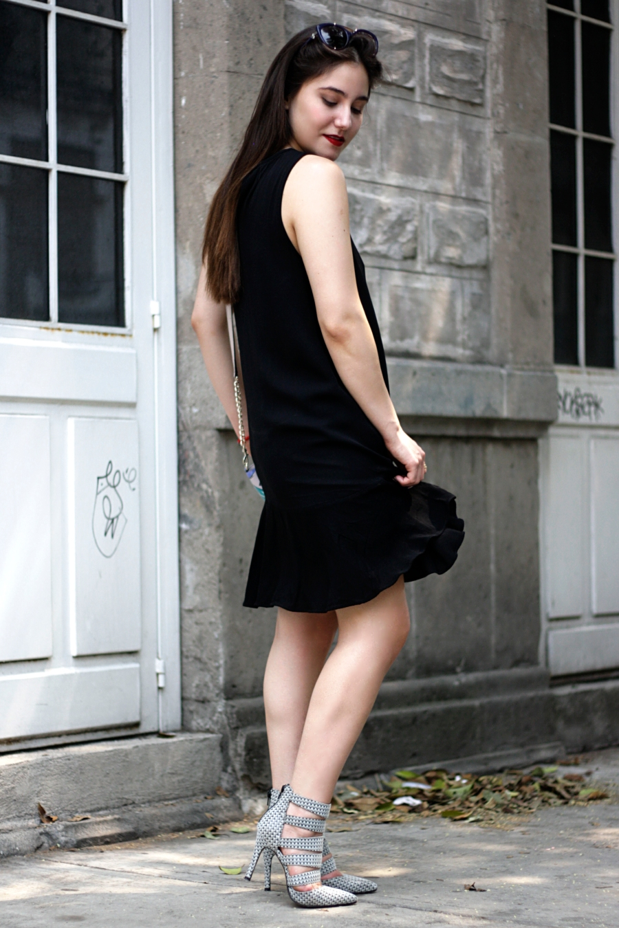 LITTLE-BLACK-DRESS-SPRING-ATUENDO29-5
