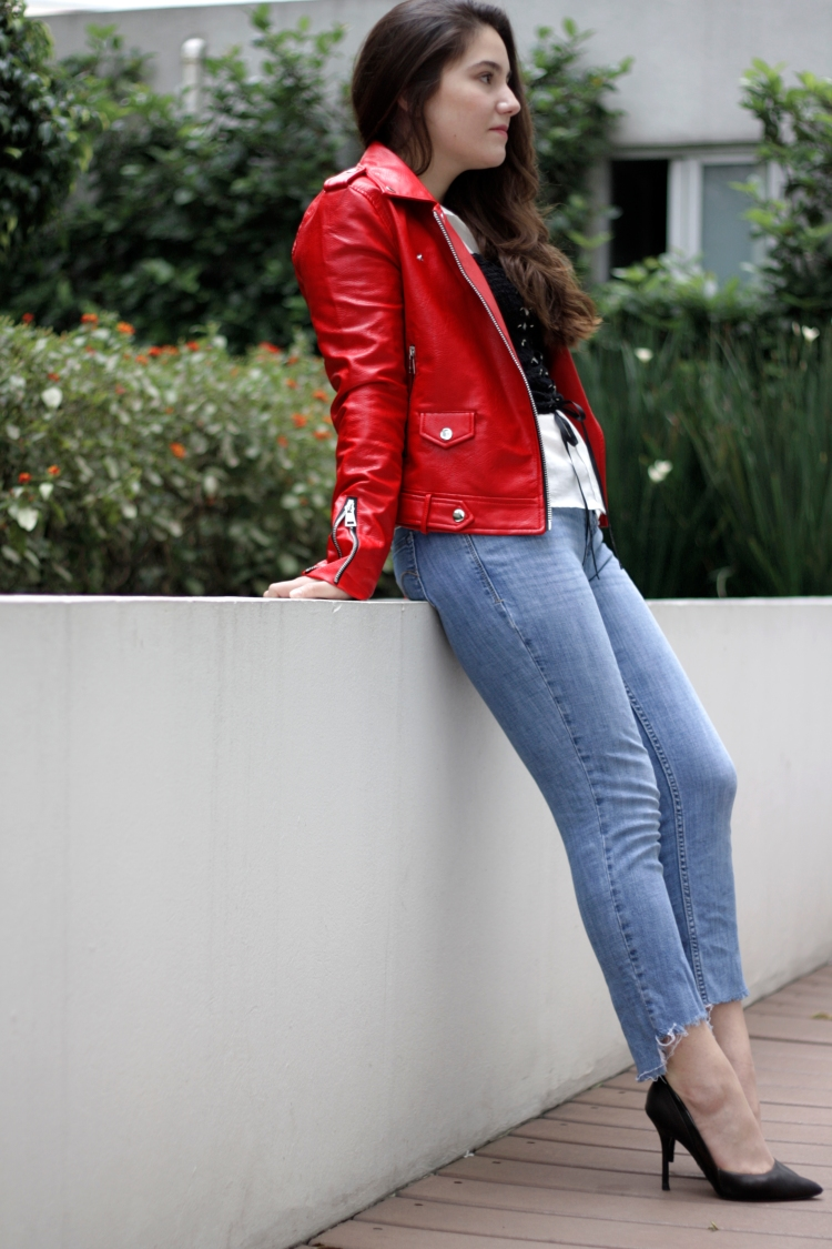 RED-JACKET-ATUENDO29-3